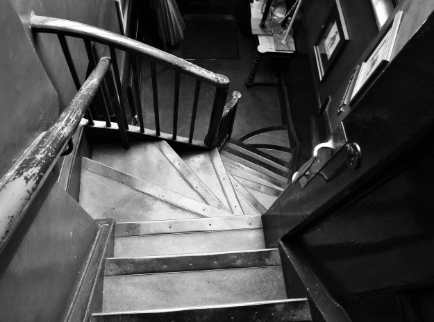 ANCHOR TAP STAIRS