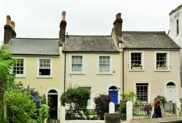 COTTAGES IN GIPSY HILL.JPG