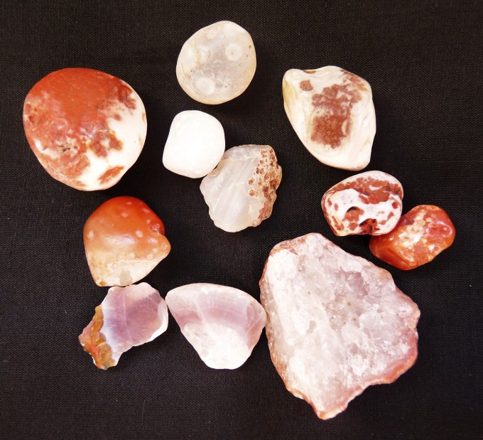 AGATES FROM DUNURE.JPG