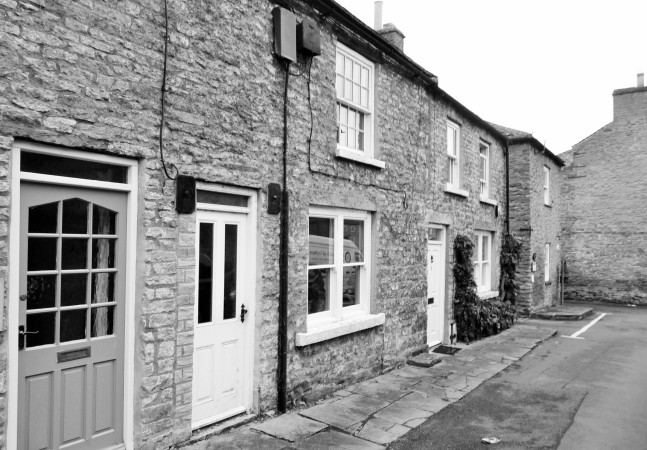 BACK LANES OF LEYBURN.JPG